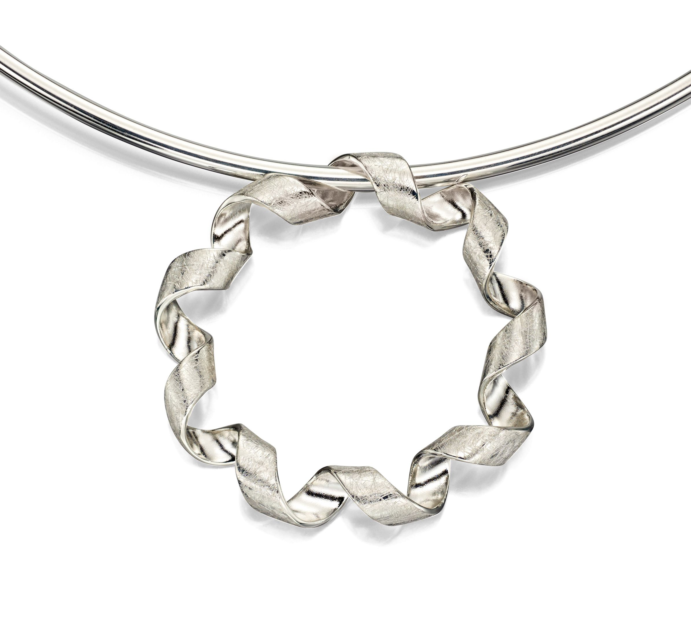 Elements Silver Womens 925 Sterling Silver Scratch Finish Round Twist Ribbon Pendant Necklace of Length 46cm