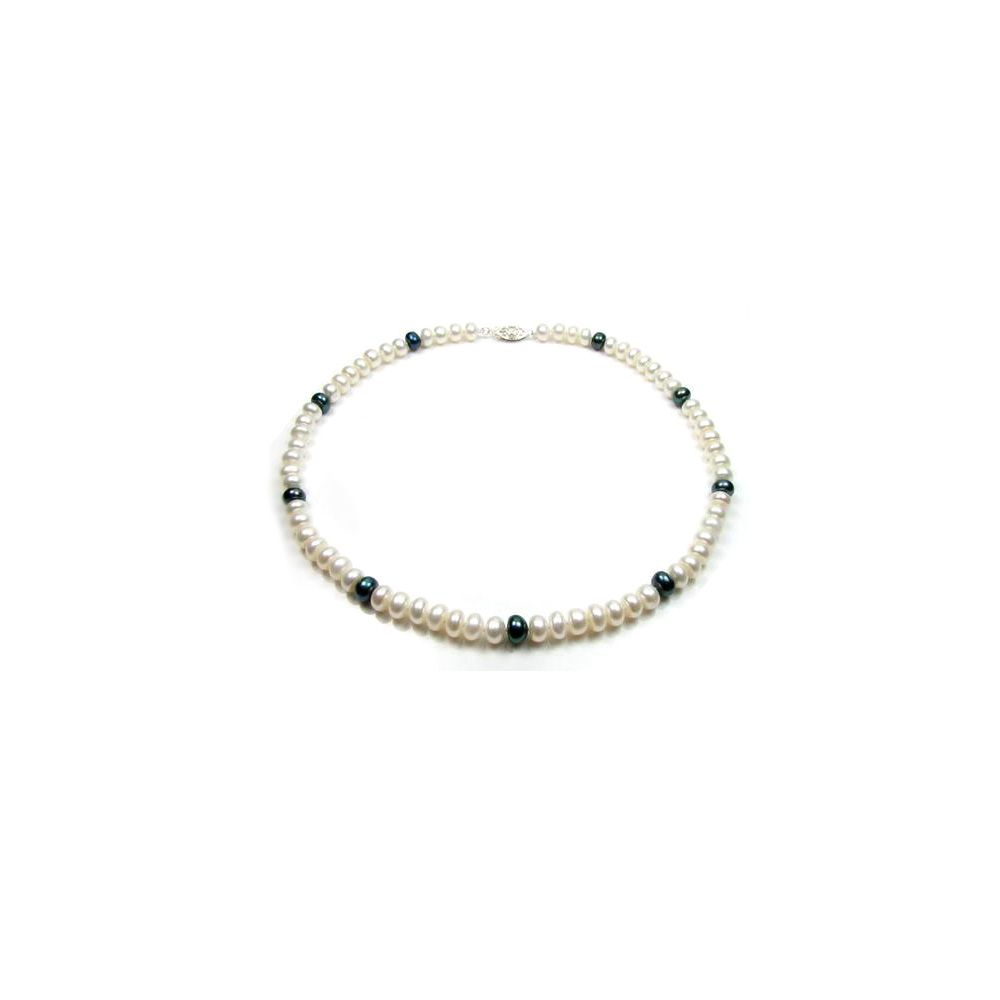White and Black Freshwater Pearl Necklace and Bracelet Set and Silver Clasp