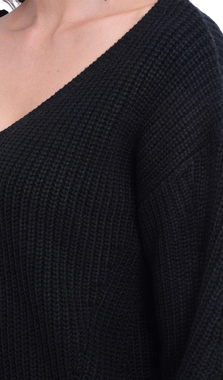 William De Faye V-neck Ribbed Sweater in Black