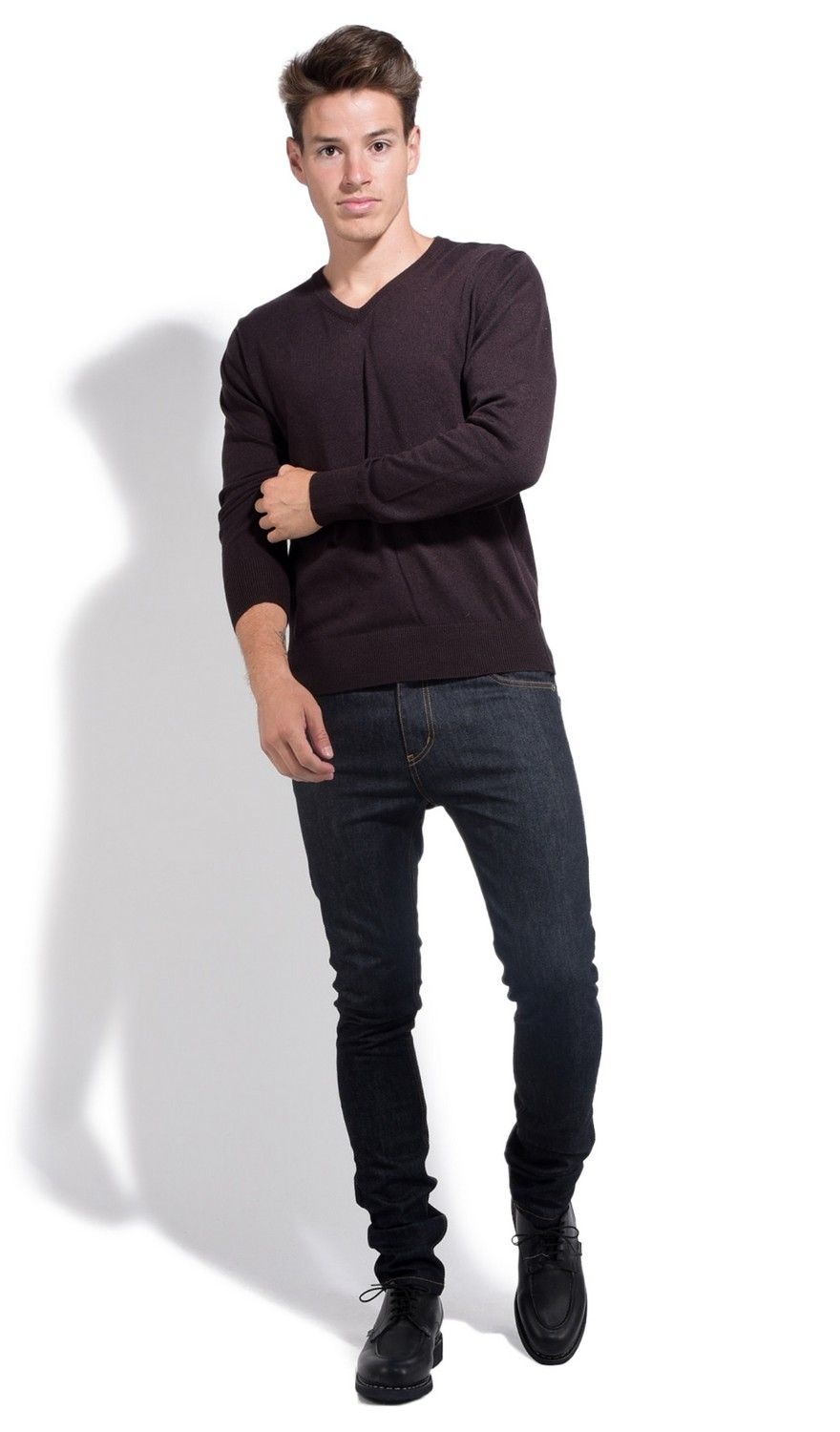 William De Faye V-neck Sweater with Contrasting Inner Collar in Brown