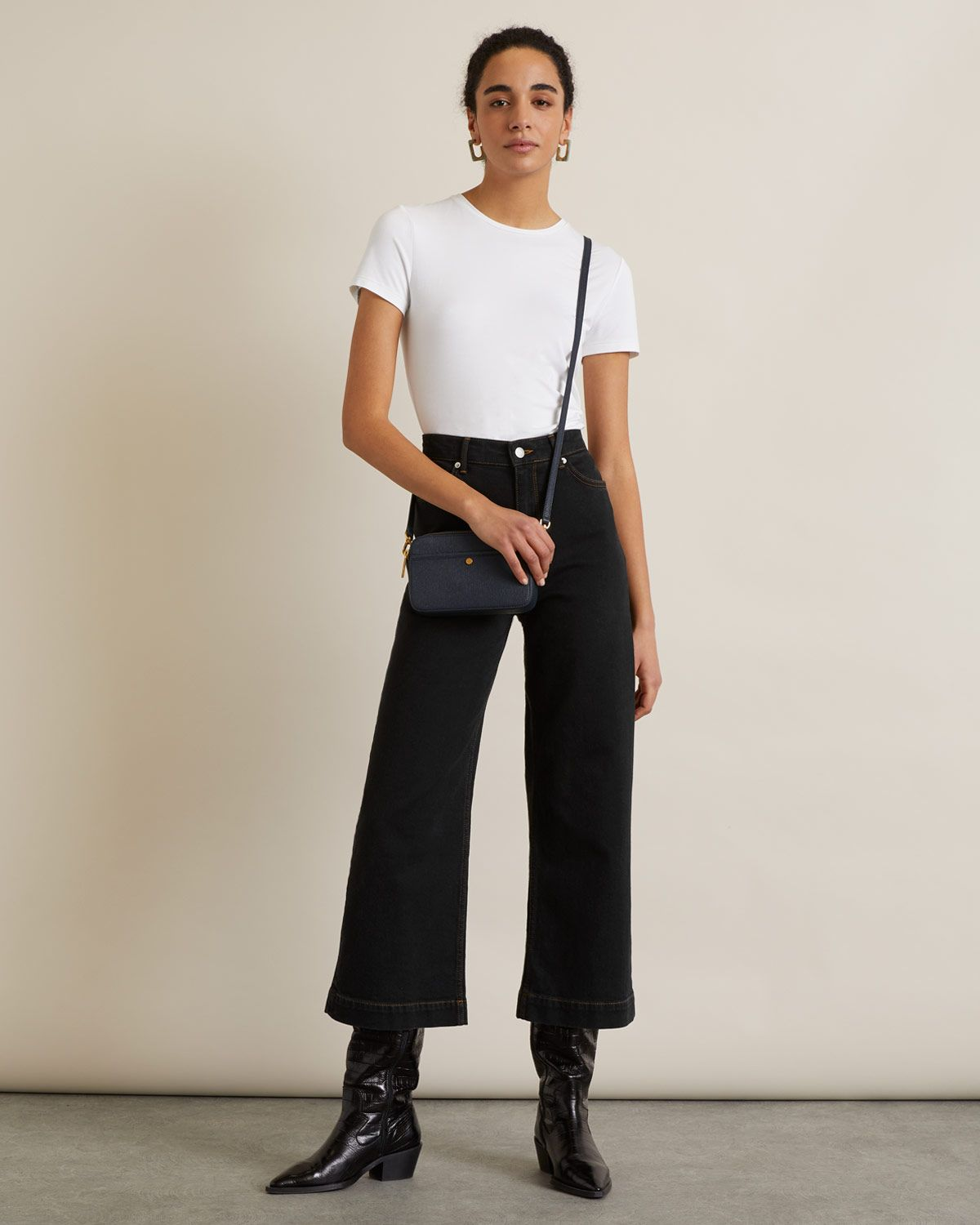 Wide Crop Contrast Stitch Jean