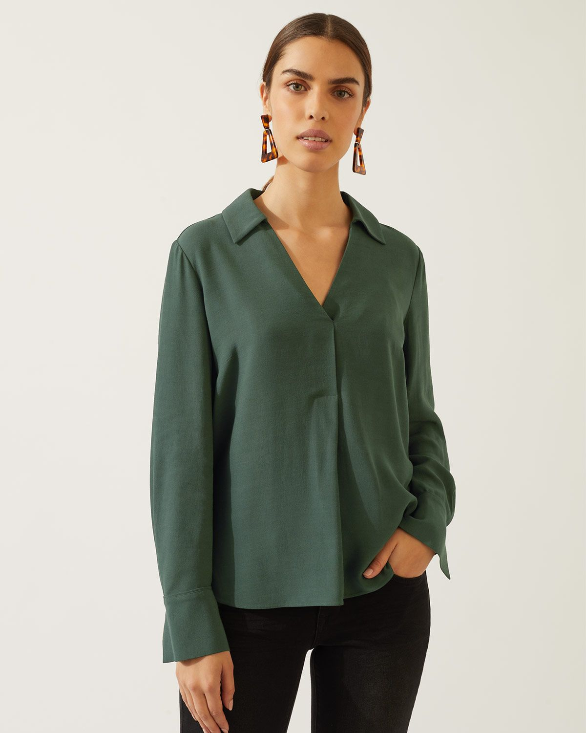 Wing Collared Top