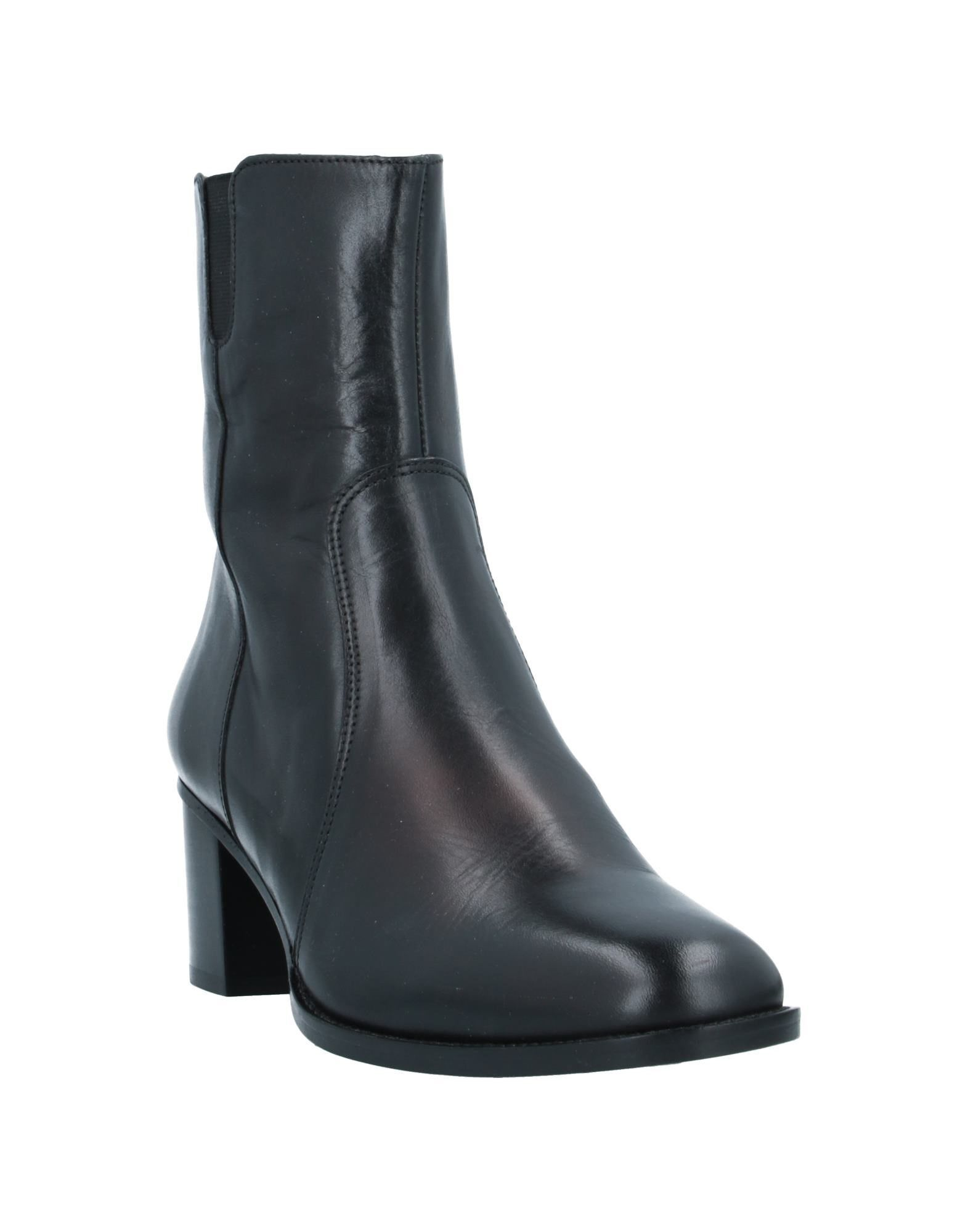 Sessun Black Leather Ankle Boots