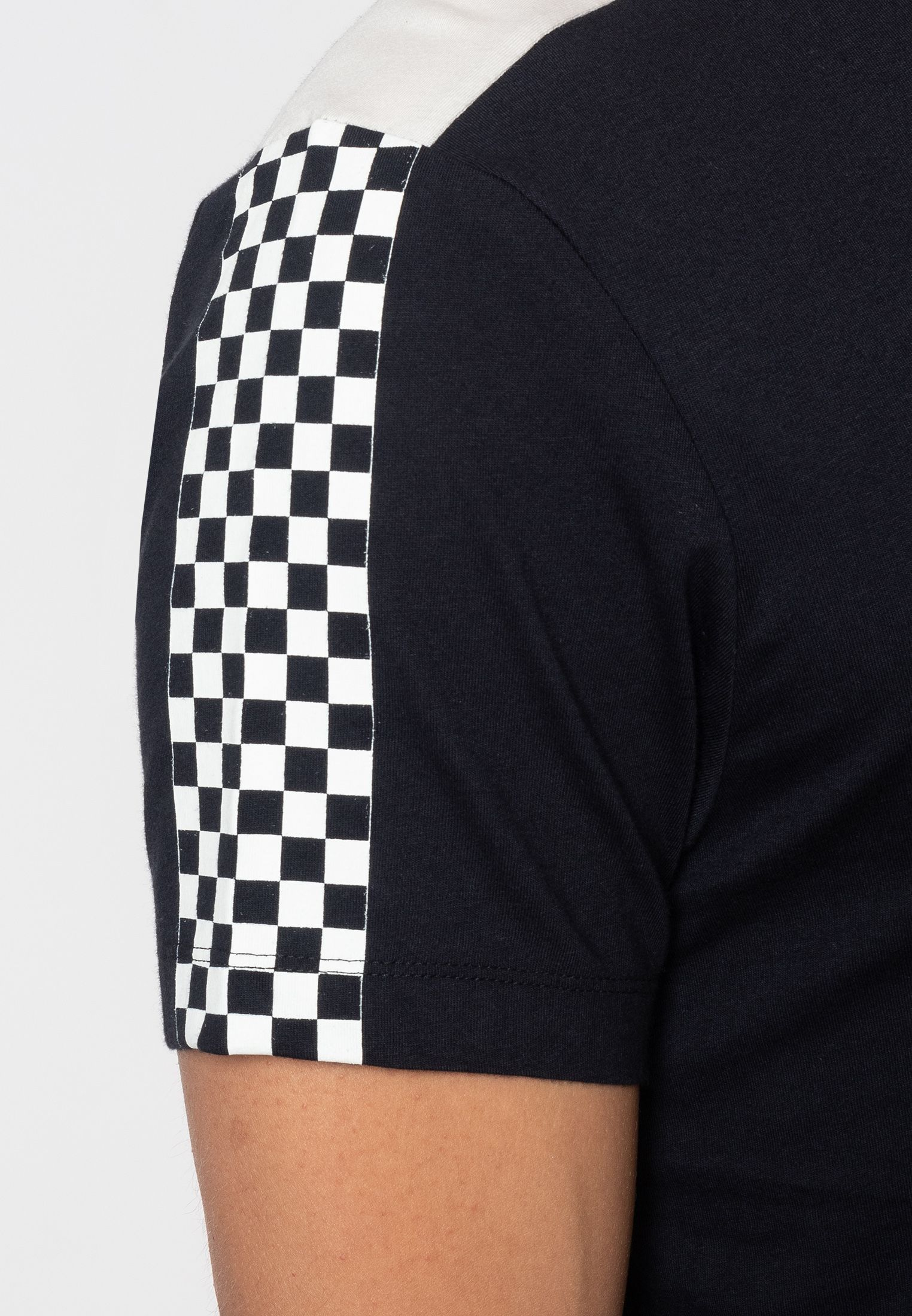 Hillgate Ska Print T-Shirt With Short Sleeves And Round Neck Collar In Dark Navy