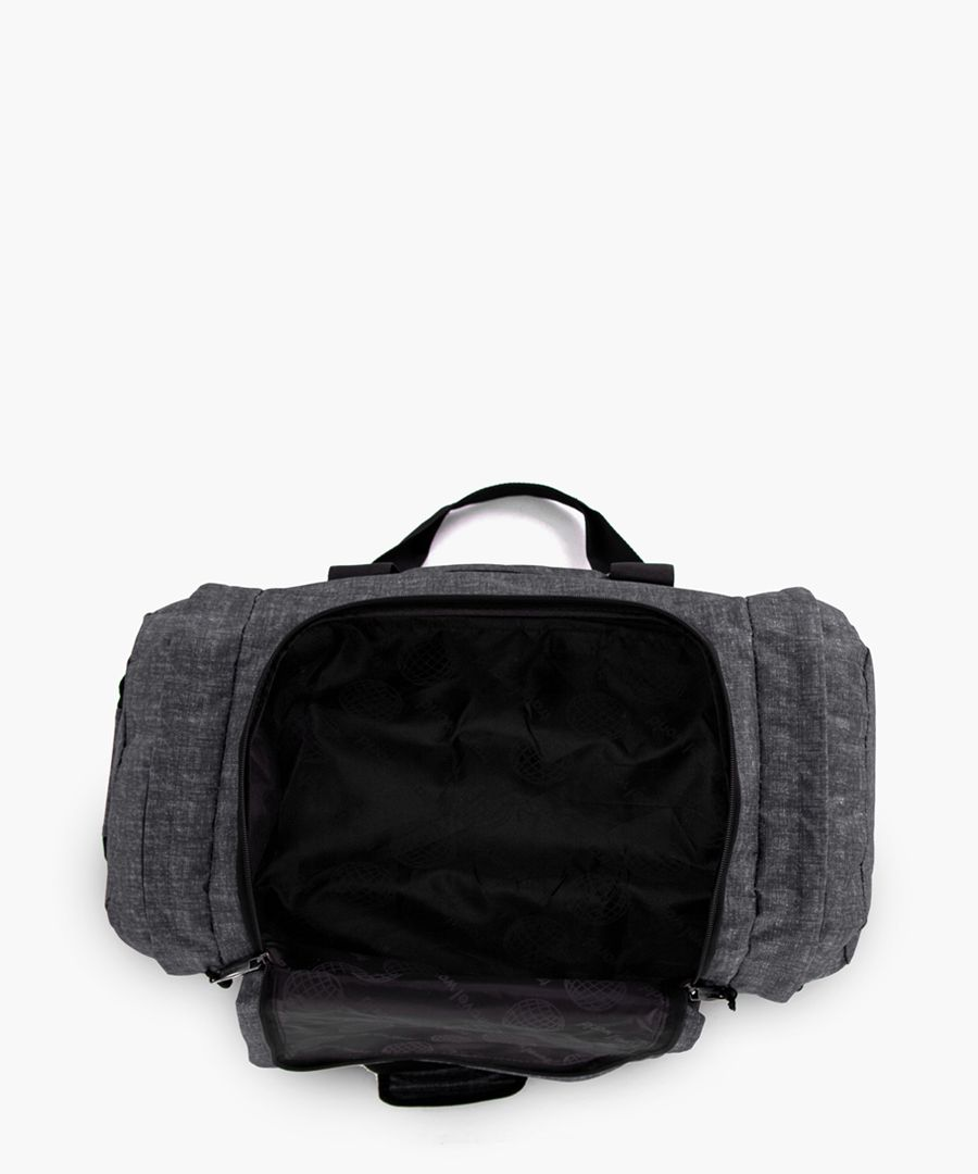 Black cabin spinner suitcase