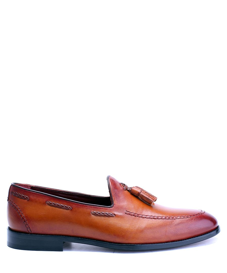 Antique tan leather tassel loafers