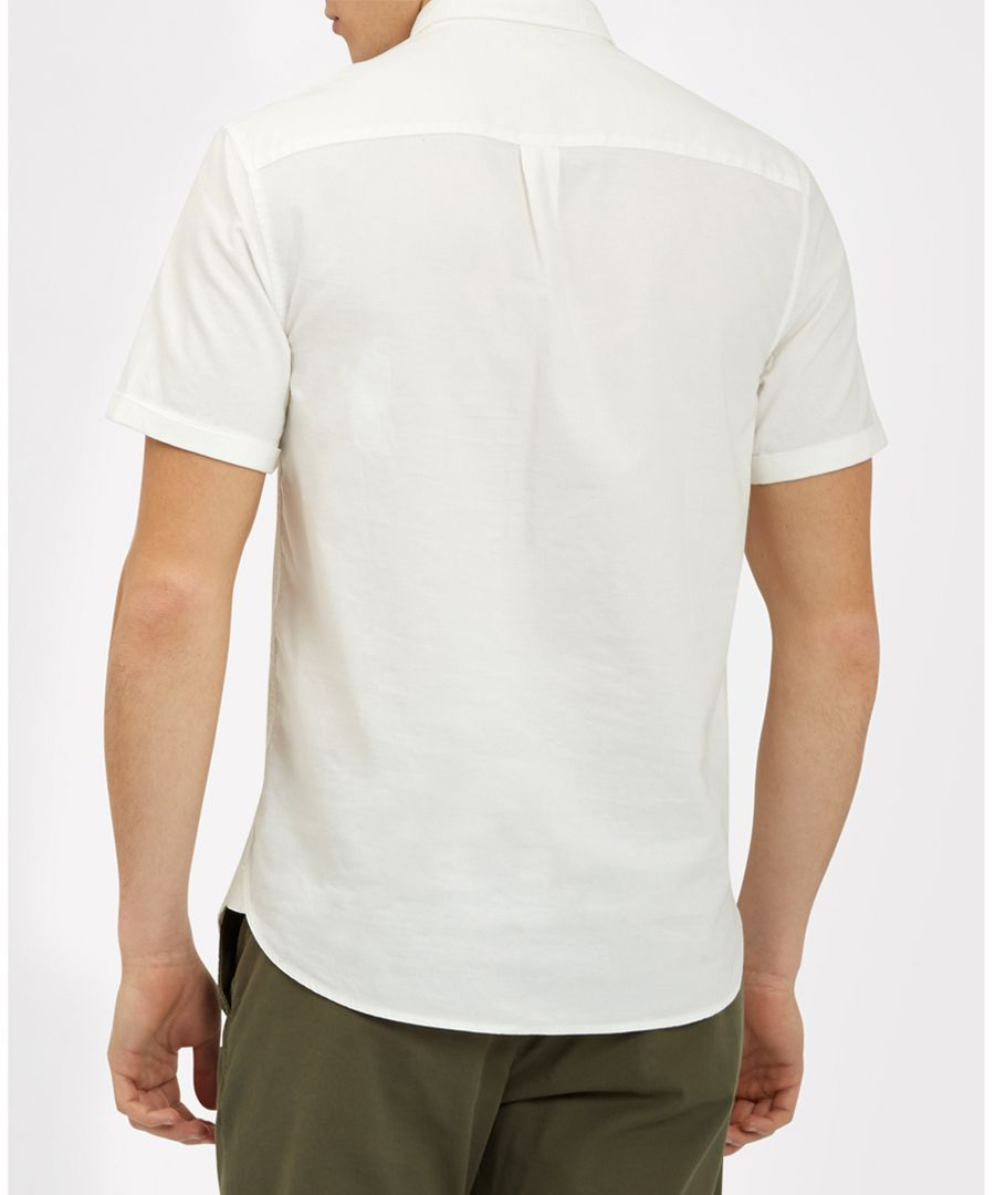 White pure cotton button-collar shirt