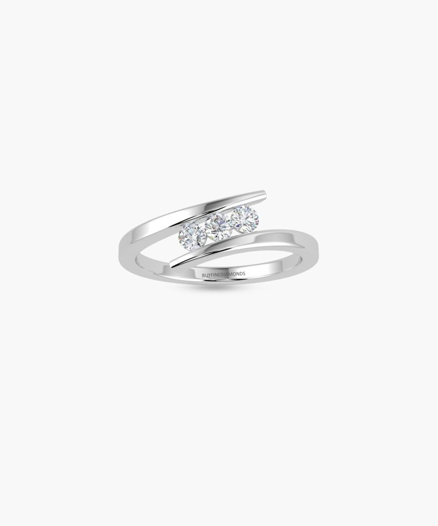 9k white gold triple diamond ring