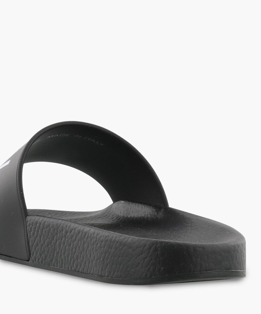 Icon black rubber slides