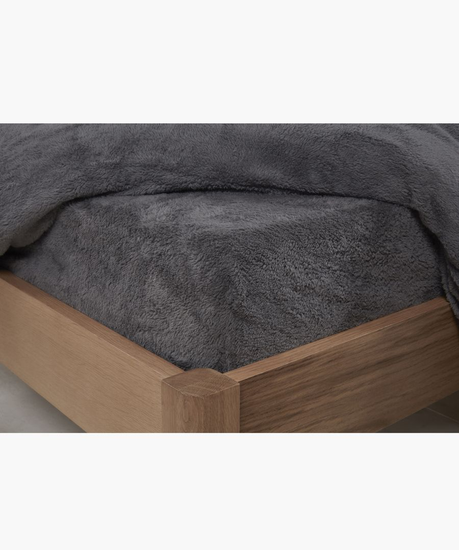 Charcoal double teddy fitted sheet