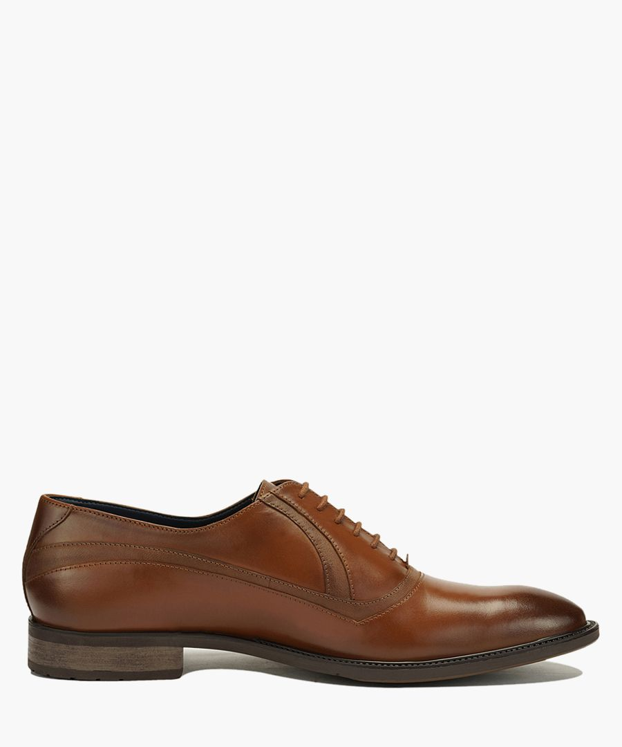 Tan leather stitched Oxford shoes