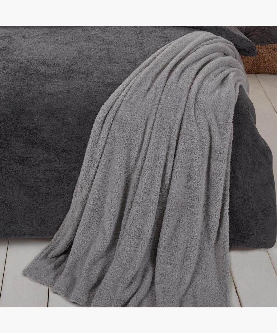 Grey teddy fleece throw 200x240cm