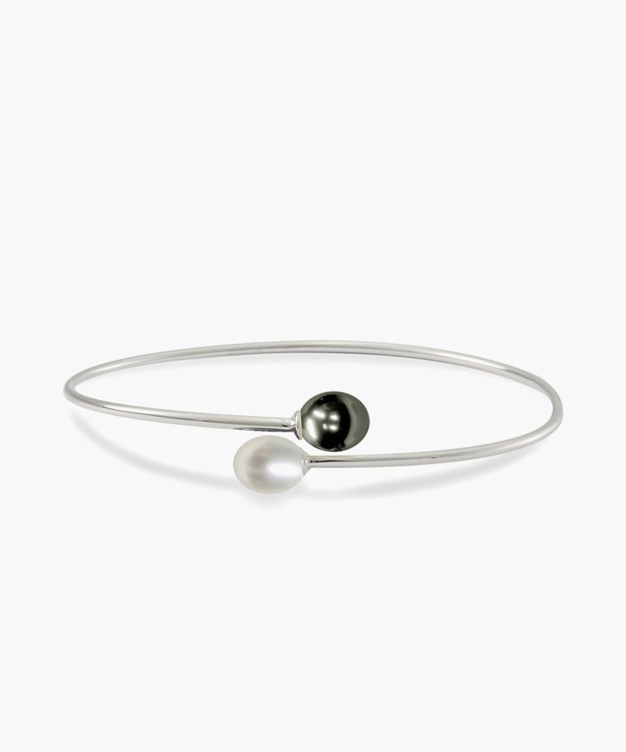 0.7cm black pearl & silver bracelet