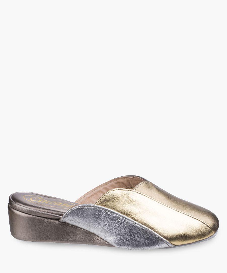 Womens purple slippers