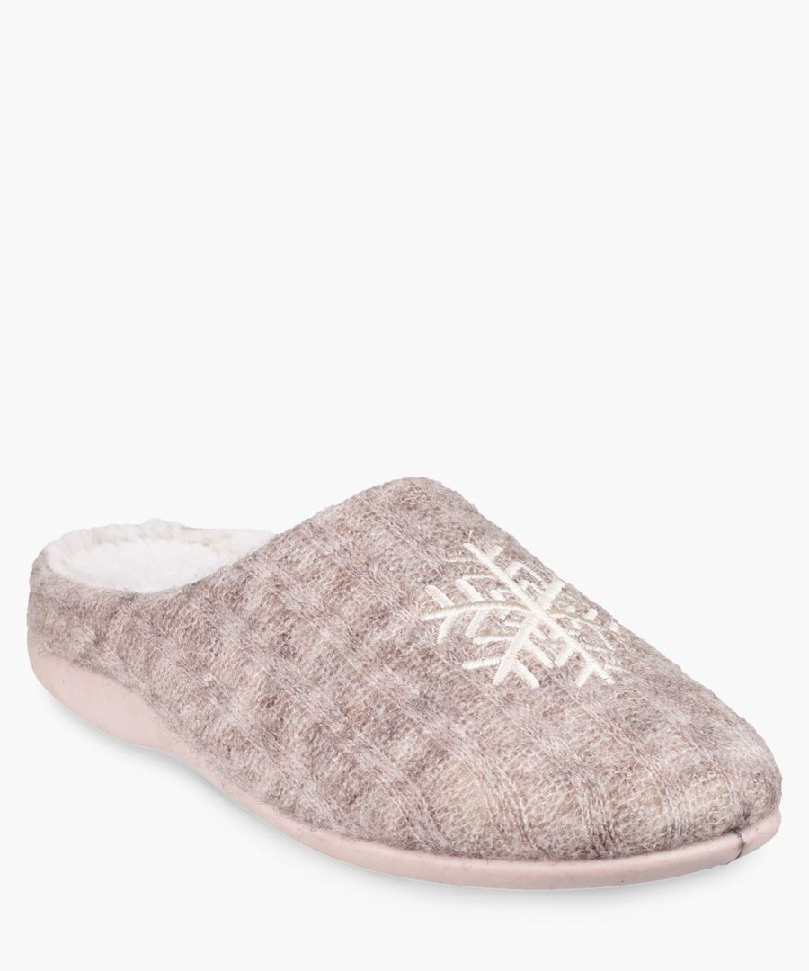 Womens beige slippers
