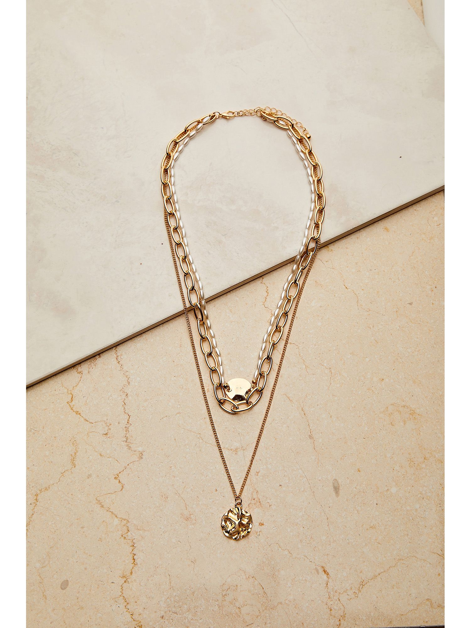 3 X Chain Necklace With Hammered Coin Pe