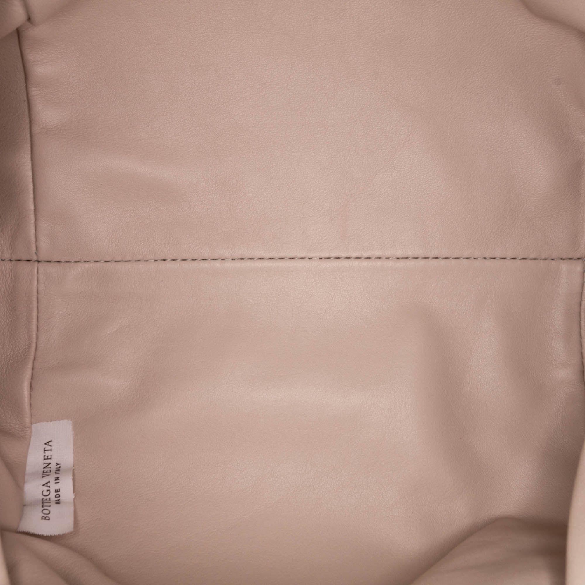 Vintage Bottega Veneta Leather The Pouch White