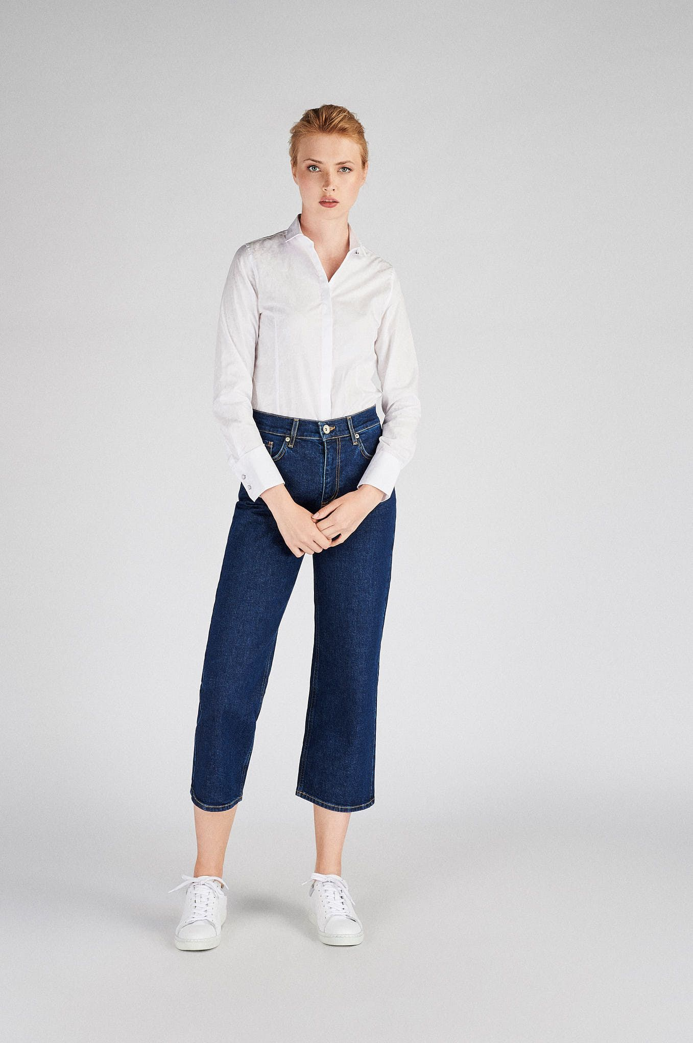 Women s  Classic Slim Fit Shirt