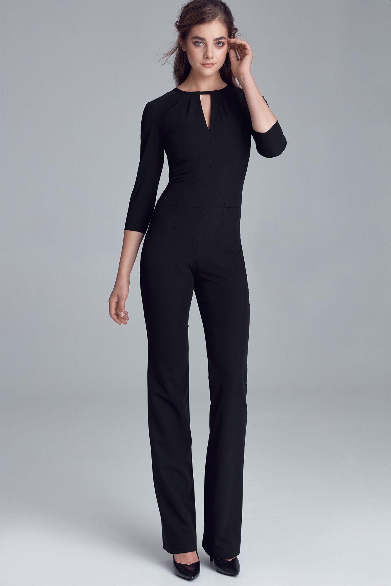 Jumpsuit with crack on the neckline - black