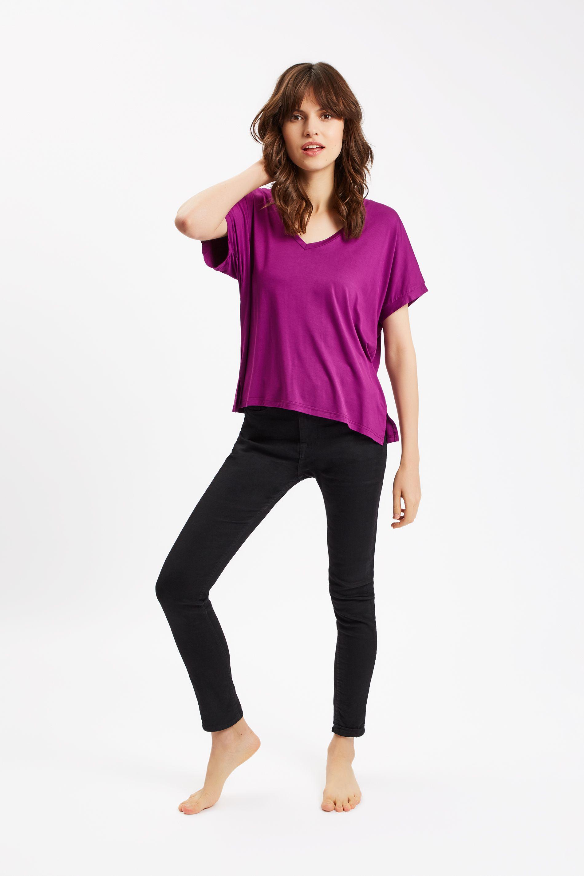 Rainbow Ricochet Short Sleeve T-Shirt in Purple
