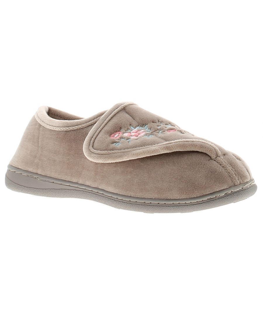 Image for Wynsors ebony womens ladies full slippers beige