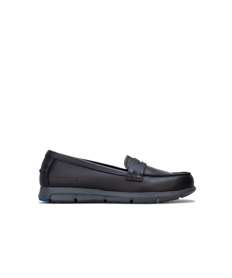 Image for Women's Birkenstock Saitama Shoes Narrow Width in Black