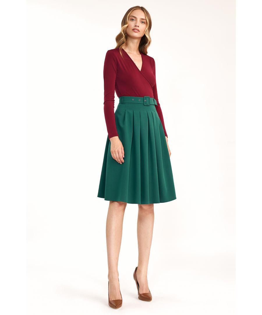 Image for Femine skirt fastened with belt