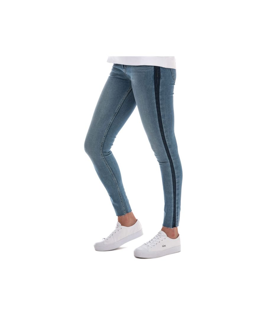 Image for Women's Levis 710 Innovation Super Skinny Jeans in Denim