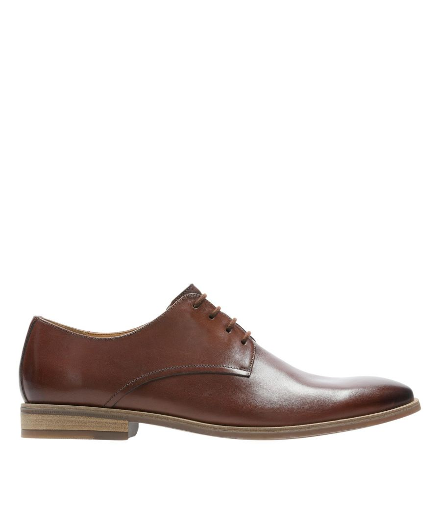 Image for Clarks Stanford Walk 26147900 Tan Leather