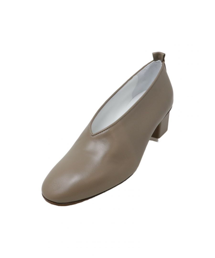 Image for Gray Matters Women's Mildred Classica Pump Taupe Leather - 9.5M