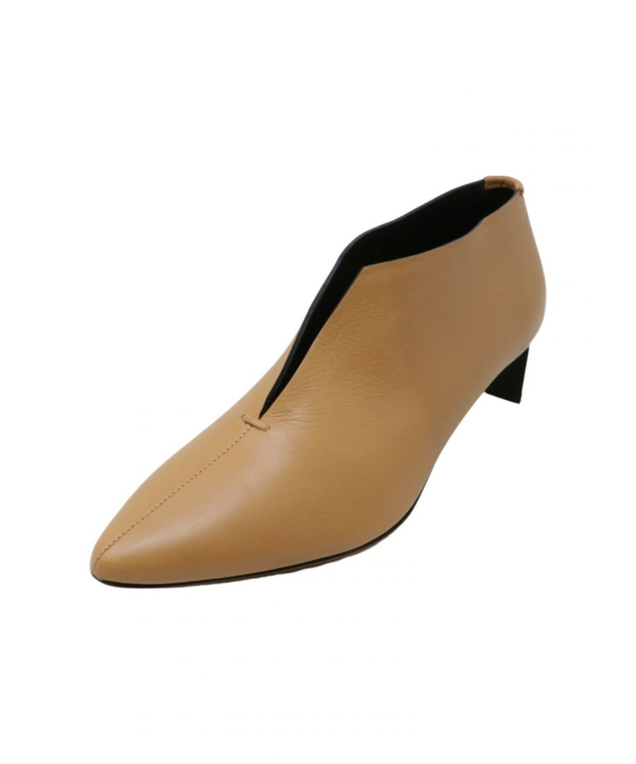 Image for Gray Matters Women's Piega Pump Tan / Black Ankle-High Leather - 6M