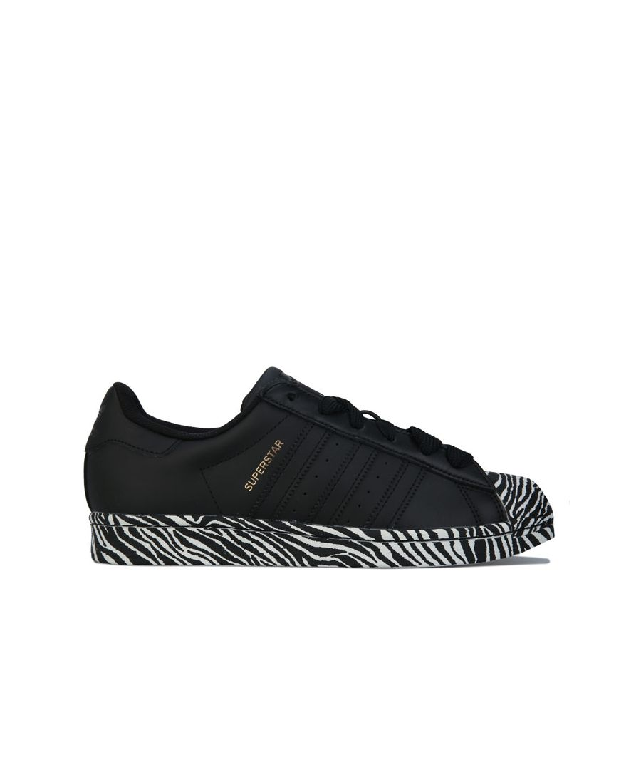 Image for Women's adidas Originals Superstar Trainers in Black-White