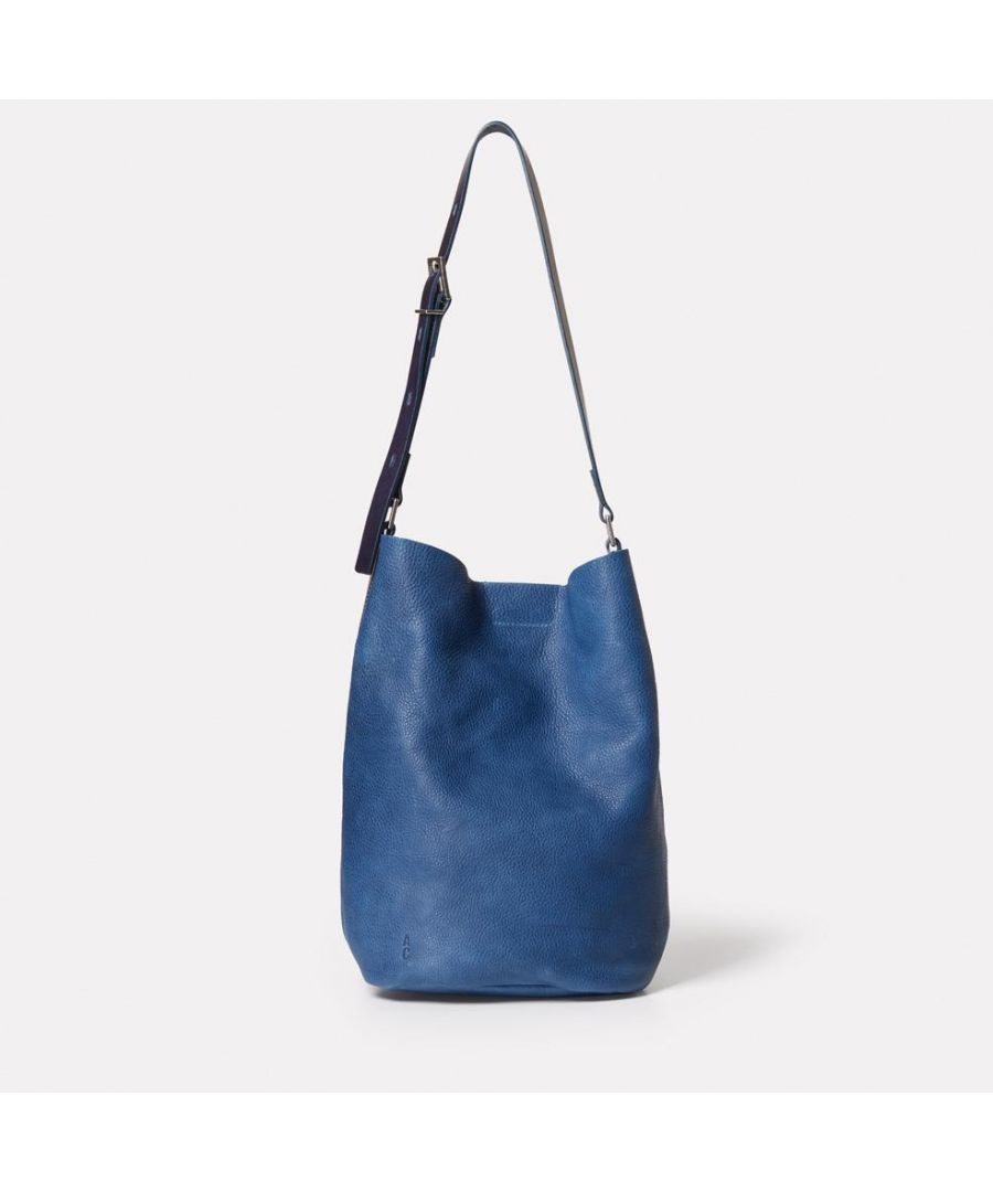 Image for Lloyd Small Calvert Leather Bucket Bag in Navy