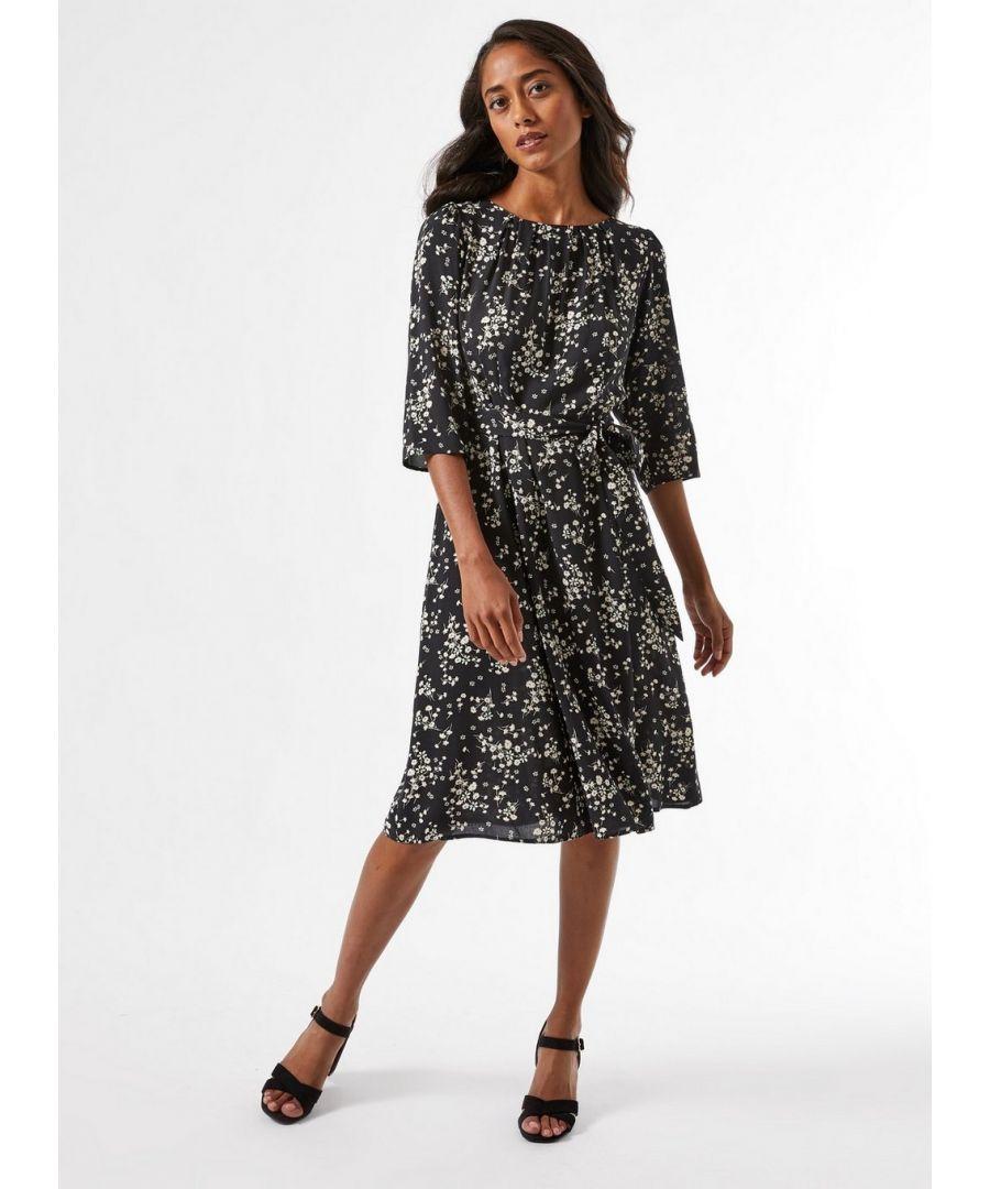 Image for Dorothy Perkins Womens Billie and Blossom Petite Black Ditsy Print Skater Dress