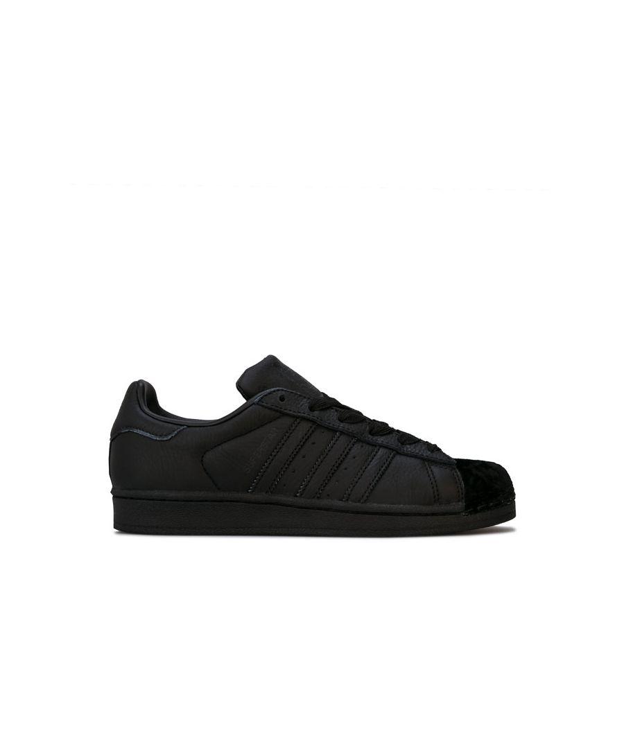 Image for Women's adidas Originals Superstar Trainers in Black
