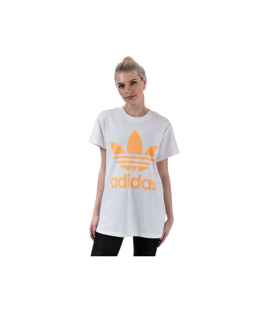 Image for Women's adidas Originals Oversize Trefoil T-Shirt in White