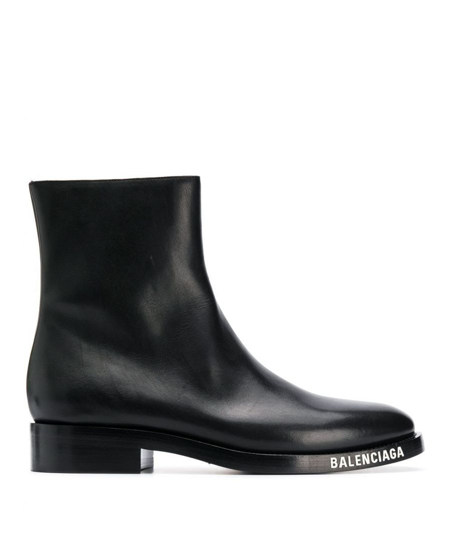 Image for BALENCIAGA MEN'S 590717WA6F01000 BLACK LEATHER ANKLE BOOTS