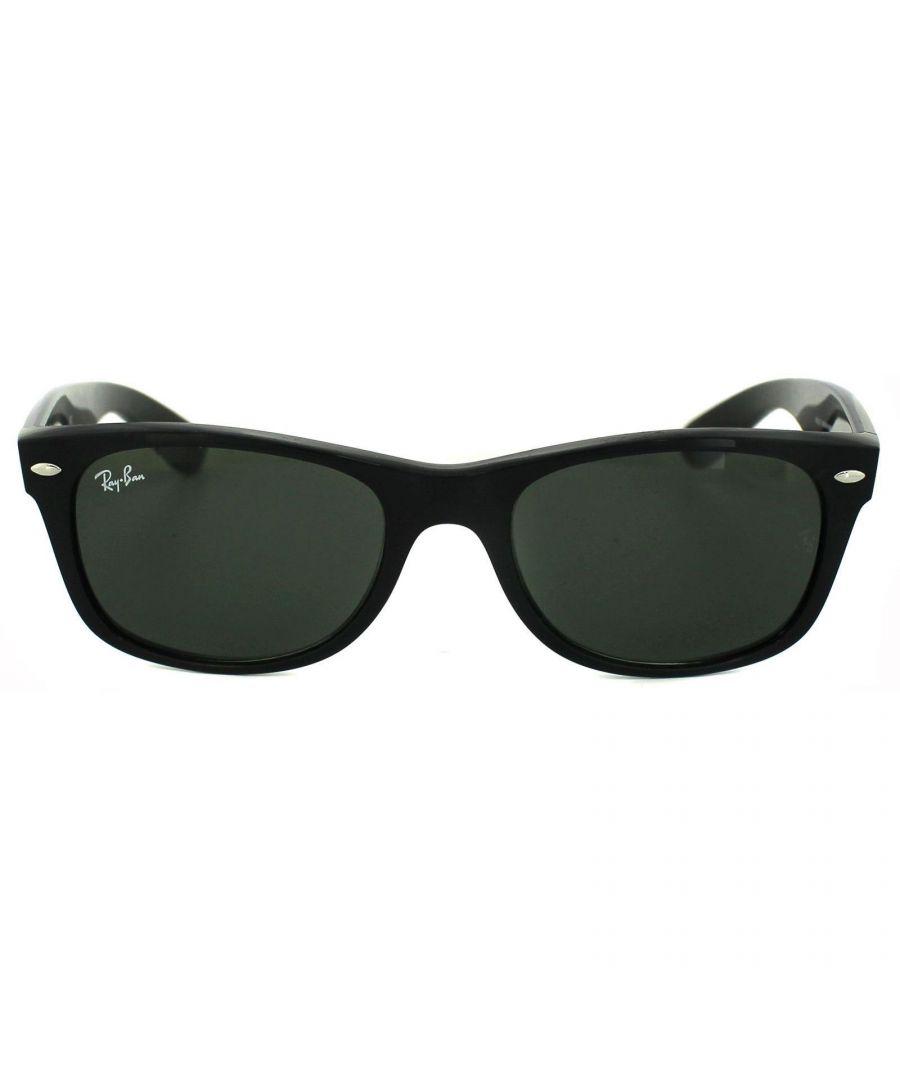 Image for Ray-Ban Sunglasses New Wayfarer 2132 901 Gloss Black Green G-15 Small 52mm