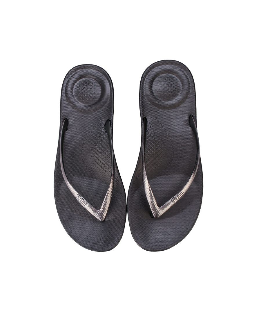 Image for Women's Fit Flop Iqushion Mirror Ergonomic Flip-Flops in Gunmetal