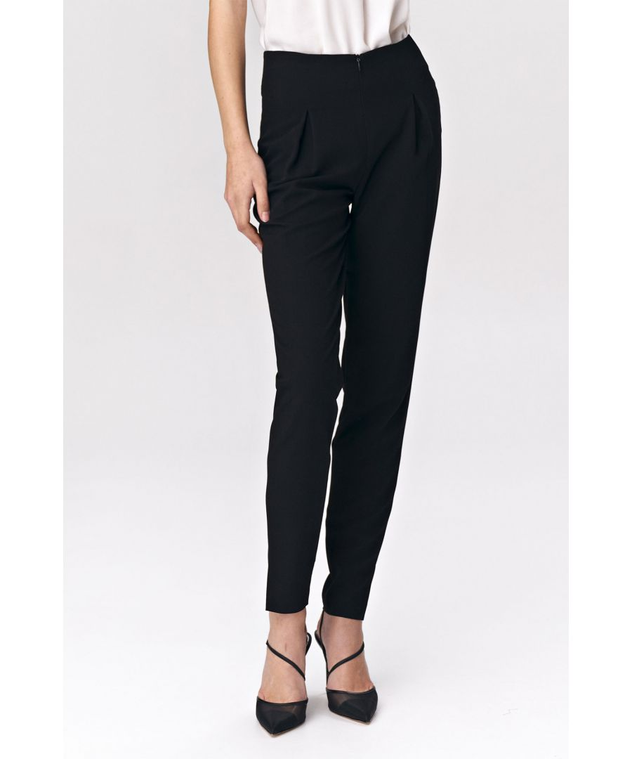 Image for Black trousers with tuck