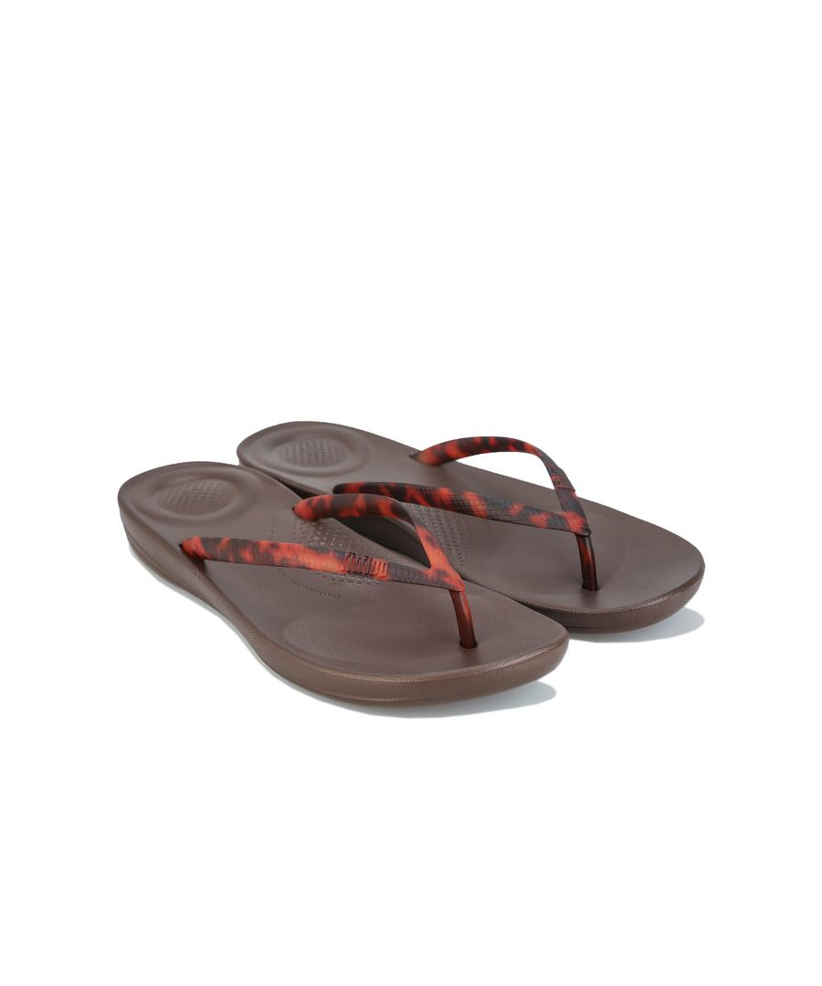 Image for Women's Fit Flop iQushion Tortoiseshell Flip Flops in Chocolate