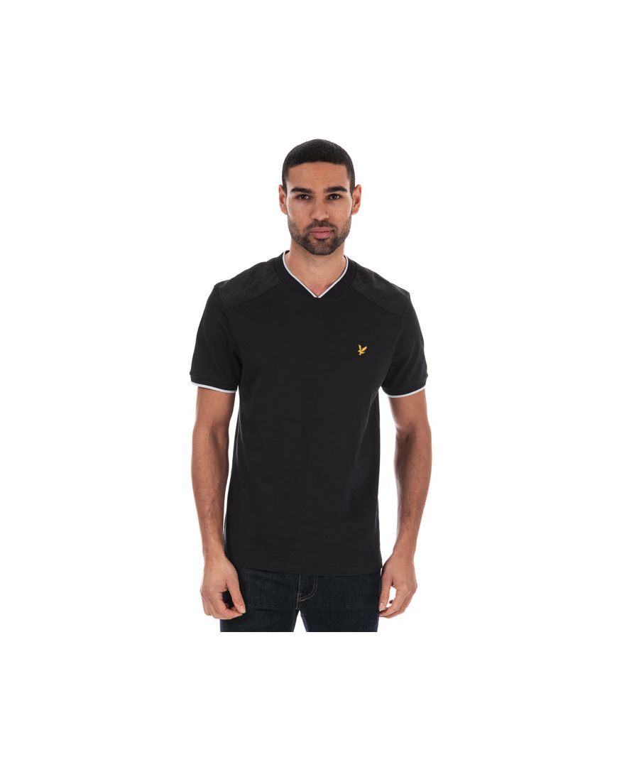 Image for Men's Lyle And Scott Nylon Panel T-shirt in Black